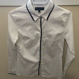 Banana Republic contrast trim blouse